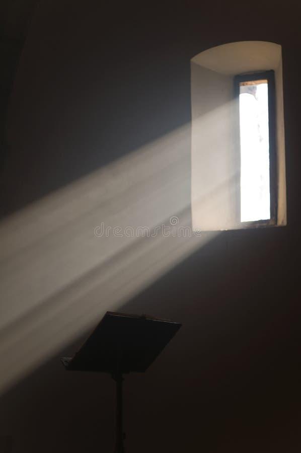 法坛圣经圣洁讲演台 图库摄影