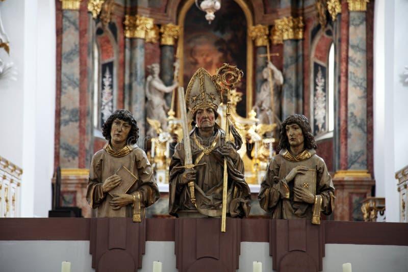 法坛在Neumunster牧师会主持的教堂里在维尔茨堡,德国 库存照片