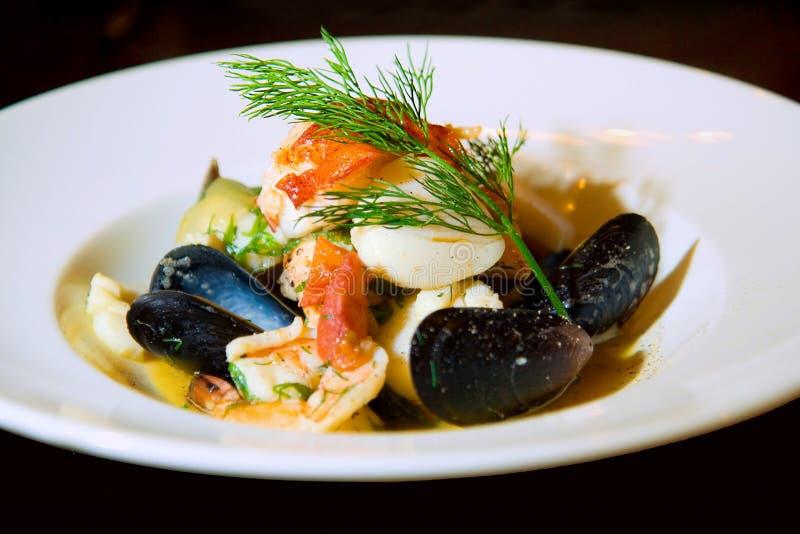 法式海鲜汤海鲜汤 免版税库存照片