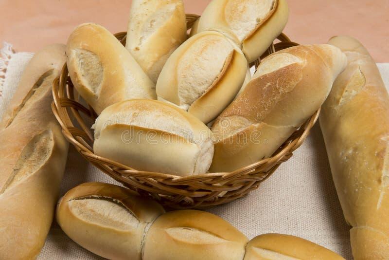 法式面包篮子  免版税库存图片