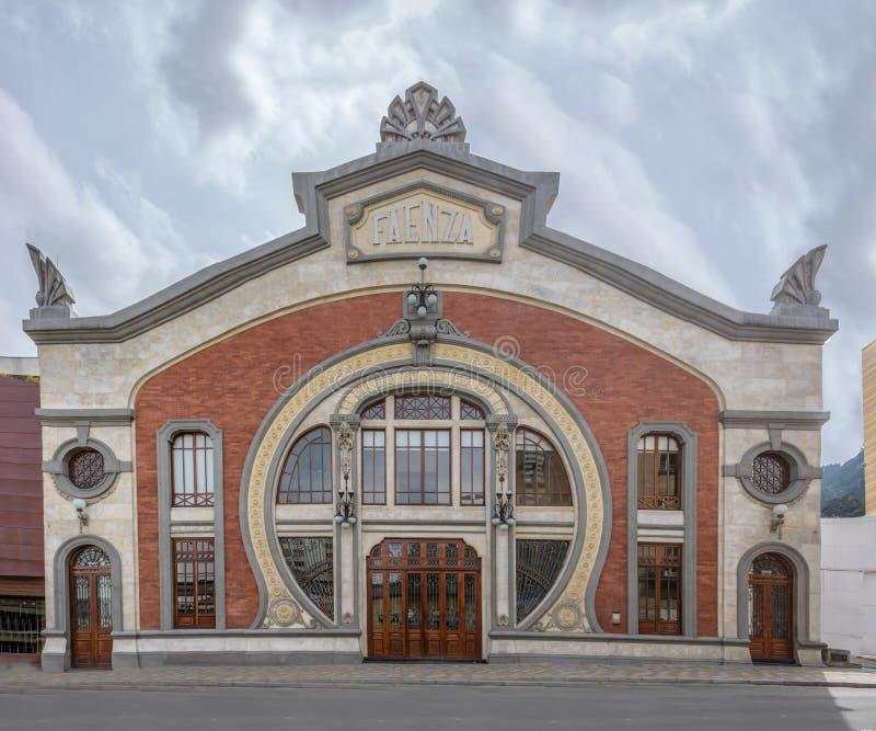 法恩扎剧院-波哥大,哥伦比亚门面  免版税图库摄影