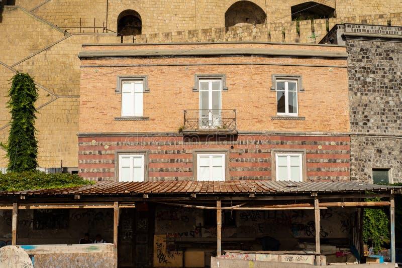 波佐利那不勒斯,意大利:sentire被放弃的区& x22; Rione土地& x22; 免版税图库摄影