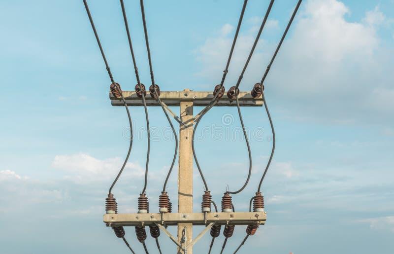 Download 波兰人和输电线 库存图片. 图片 包括有 配电器, 网络, 技术, 剪影, 拱道, 工程, 网格, 结构 - 59104237