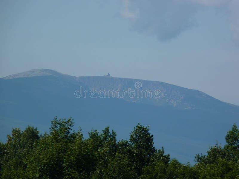 波兰克尔科诺谢山山- ÅšnieÅ ¼ ne KotÅ 'y和Wielki Szyszak山 免版税图库摄影