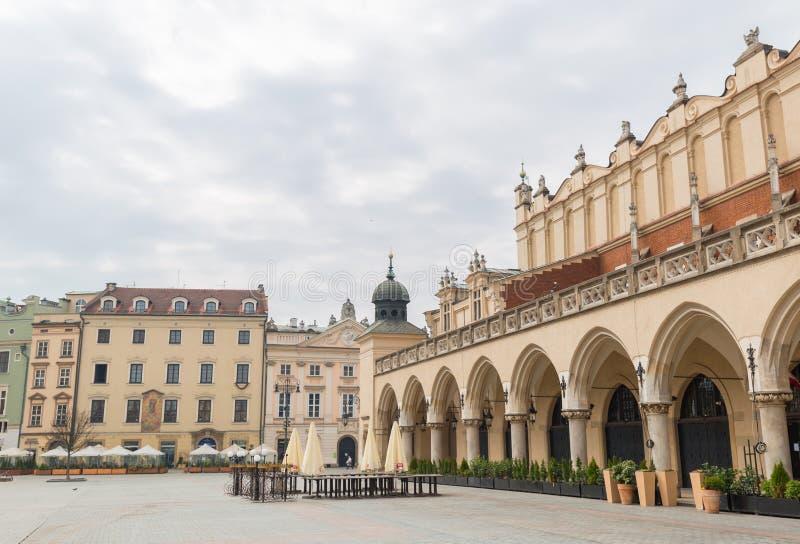 波兰克拉科 — 2020年3月19日克拉科主广场布料厅 波兰历史中心,一座古老的老城 免版税图库摄影