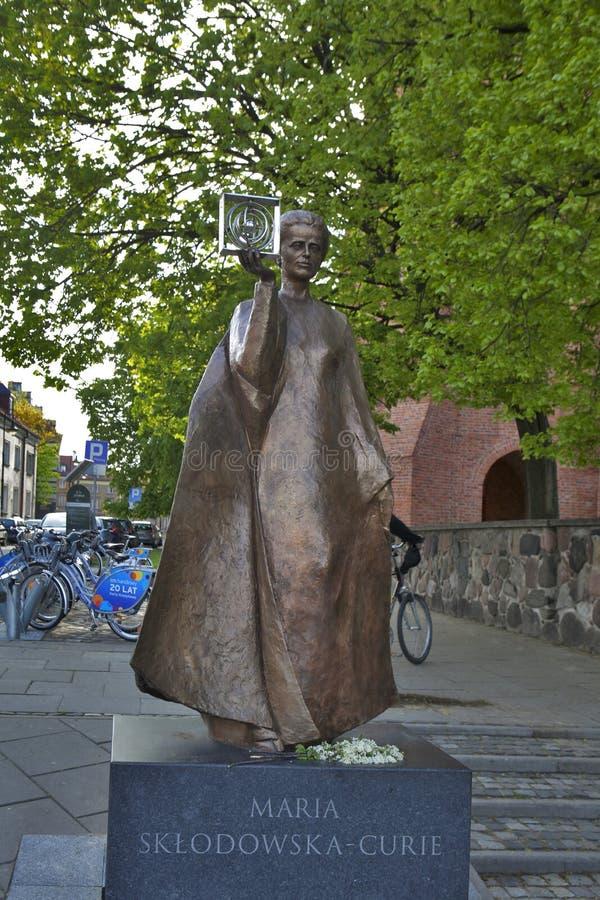 波兰物理学家和化学家,获得诺贝尔奖的第一名妇女的纪念碑-玛里Sklodowska居里在华沙,波兰 图库摄影