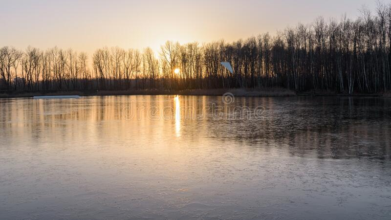 波兰索斯诺维克冰冻史塔维基湖 免版税库存图片