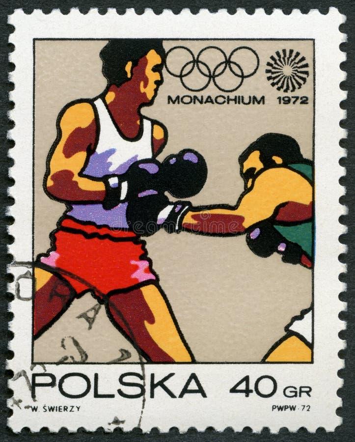 波兰- 1972年:装箱的展示,奥林匹克圆环和行动标志,系列第20奥运会,慕尼黑 免版税库存照片