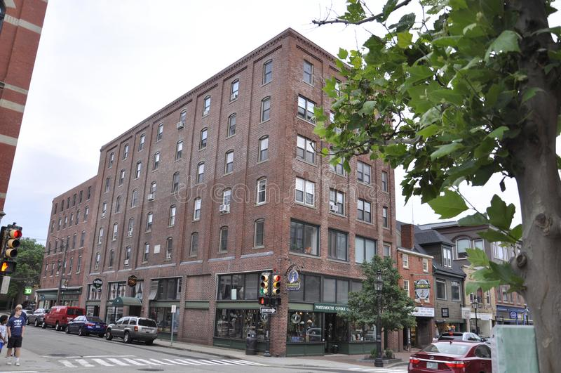 波兹毛斯, 6月30日:从街市波兹毛斯的历史建筑在美国的新罕布什尔 库存图片