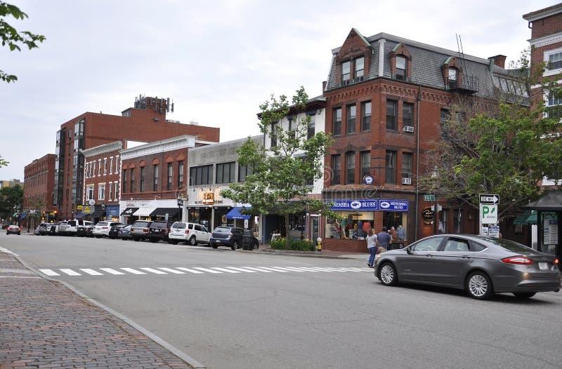 波兹毛斯, 6月30日:从街市波兹毛斯的历史的国会街道在美国的新罕布什尔 免版税库存照片