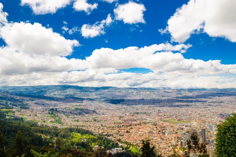 波哥大都市风景从Monserrate的在哥伦比亚 库存图片