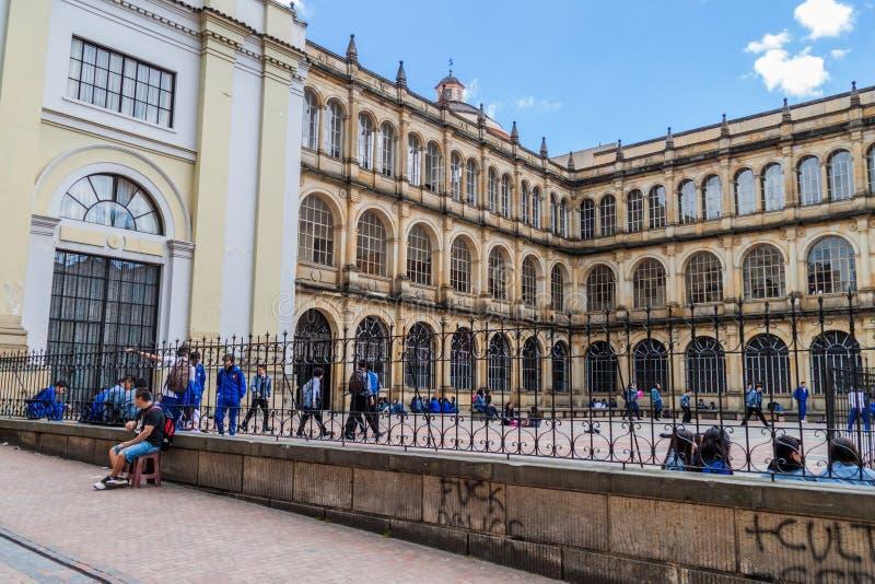 波哥大,哥伦比亚- 2015年9月24日:圣巴塞洛缪Colegio市长de圣巴托洛梅岛学院在伯格特街市  库存图片