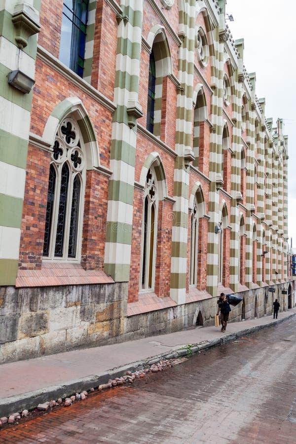 波哥大,哥伦比亚- 2015年9月23日:在Calle del Sol街道上的老新哥特式大厦在伯格特 免版税库存照片