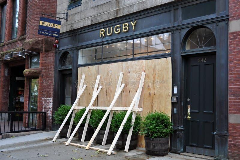 波士顿停止了飓风艾琳newbury商店营业 库存照片