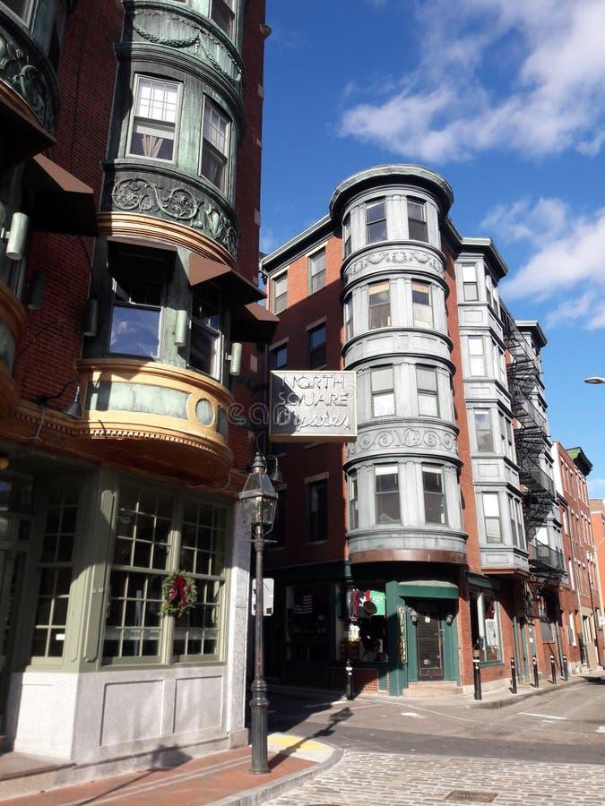 波士顿街围绕建筑学的牡蛎酒吧 库存图片