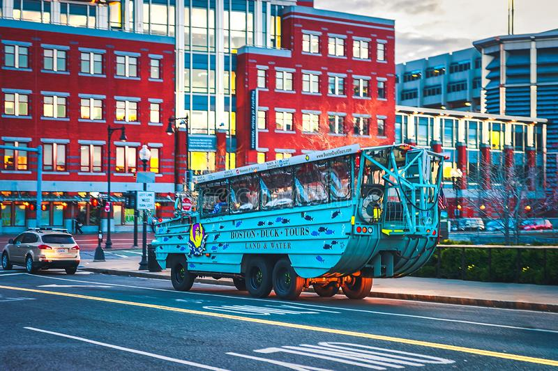 美国马萨诸塞州波士顿市中心的鸭车 免版税库存图片