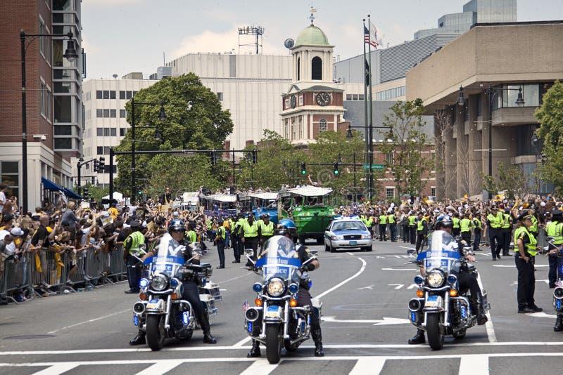 波士顿,麻省,美国- 6月18日:波士顿熊通过波士顿游行在第一次赢取史丹利杯以后在39年, J 免版税库存图片