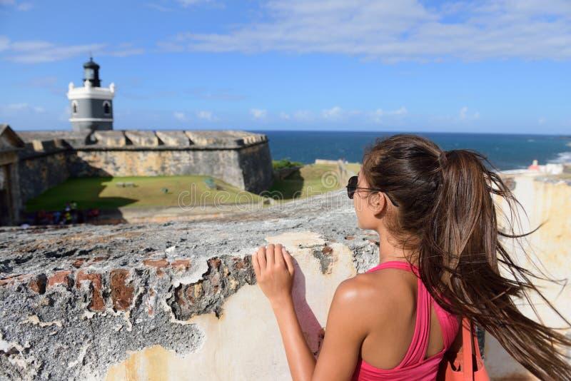 波多黎各旅行旅游妇女在圣胡安 免版税图库摄影