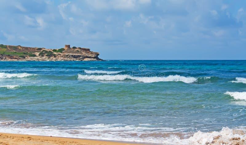 波尔图耶老岛的波浪 免版税库存图片