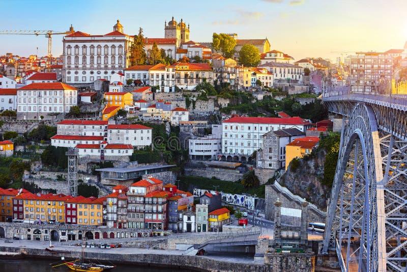 波尔图葡萄牙 晚上日落美丽如画的视图 免版税库存图片