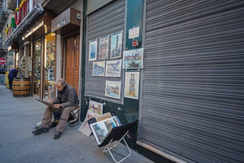 波尔图街道的画家  免版税库存图片
