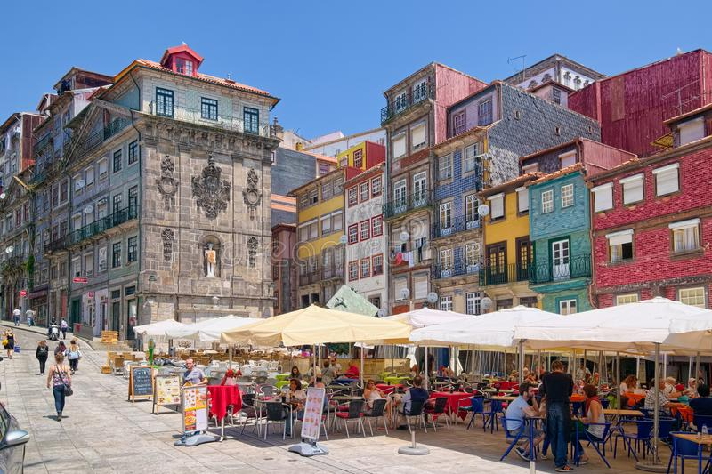 波尔图,葡萄牙Ribeira广场  免版税库存照片