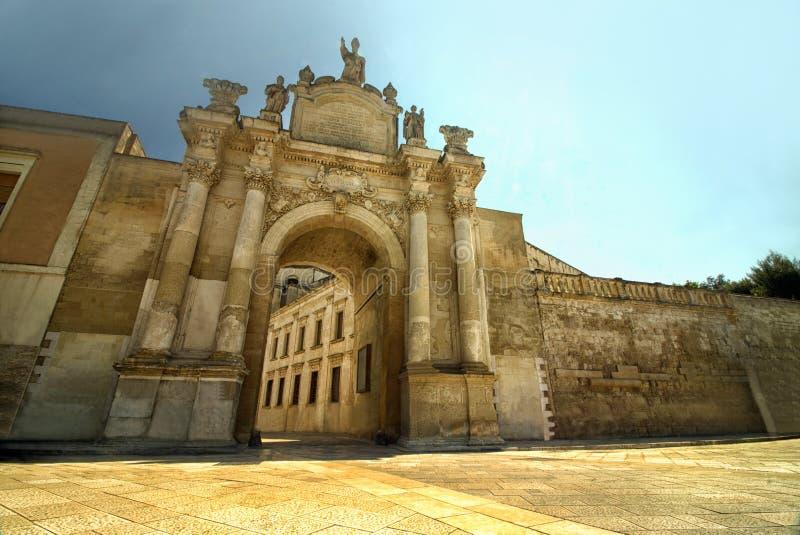 波尔塔导致历史的莱切,普利亚,意大利的Rudiae 库存图片