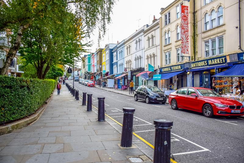 波托贝洛路市场,一条著名街道在诺丁山,伦敦,英国,英国 库存照片