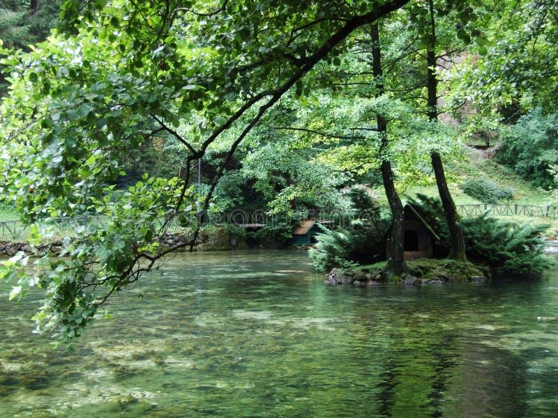 波斯尼亚河河的公园和来源 库存图片