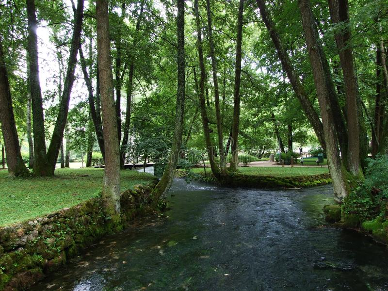 波斯尼亚河河的公园和来源 免版税图库摄影