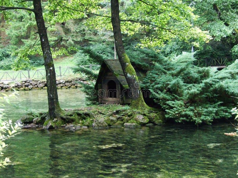 波斯尼亚河河的公园和来源 免版税库存照片