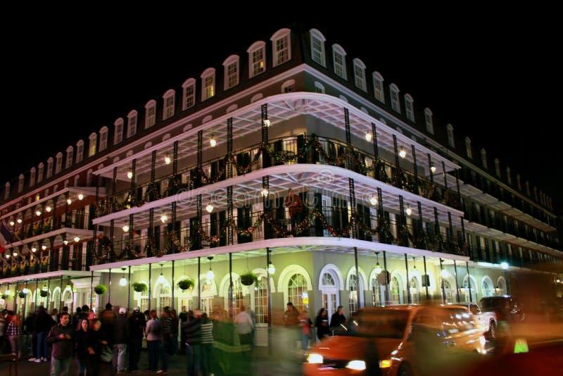 波旁酒新的晚上奥尔良街道 免版税库存照片