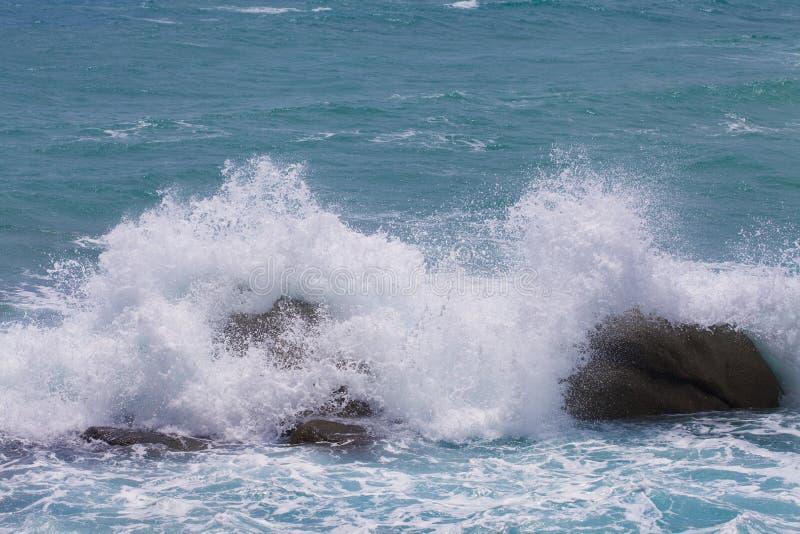 波浪和海 免版税图库摄影