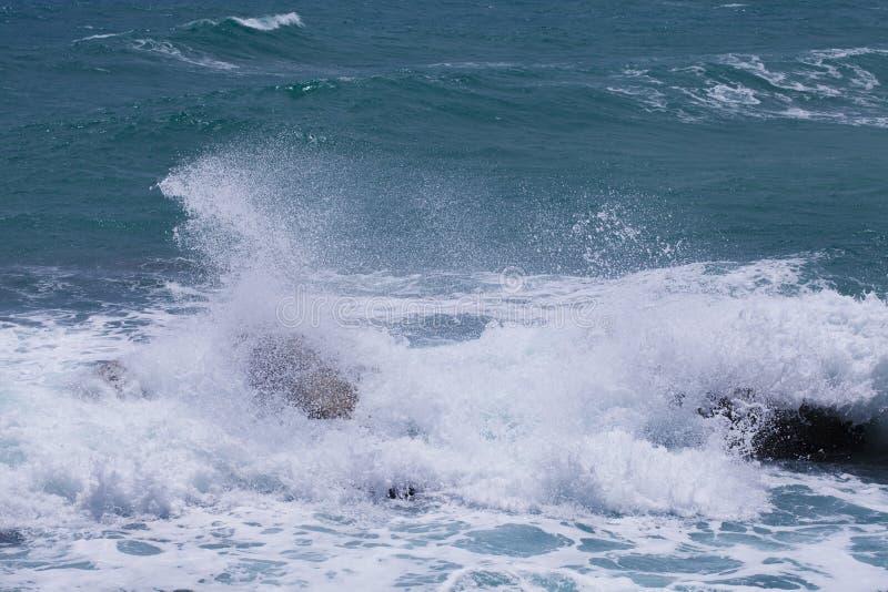 波浪和海 免版税库存图片