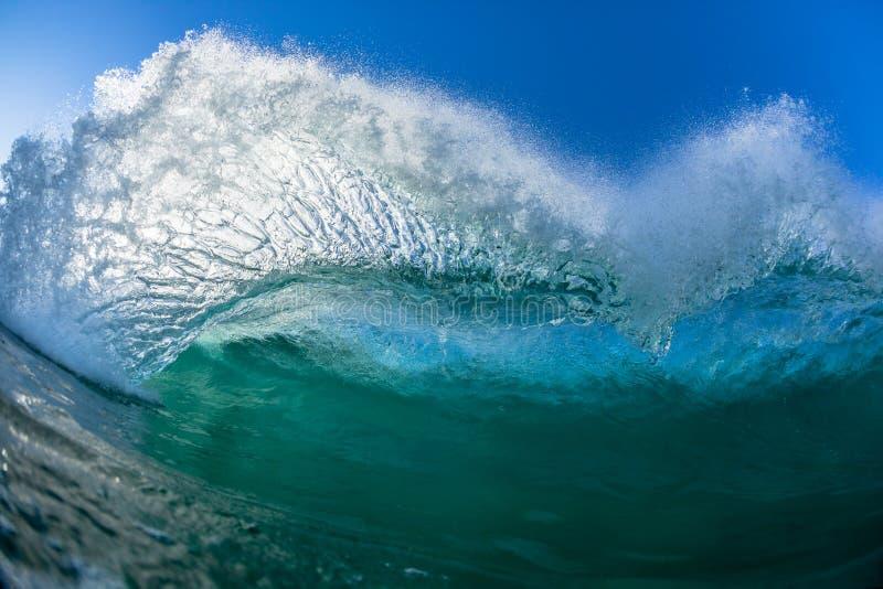 波浪舞蹈水力游泳 免版税库存照片