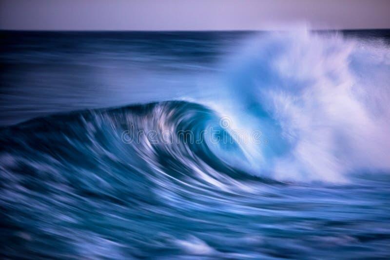 波浪长的被暴露的照片  免版税库存照片