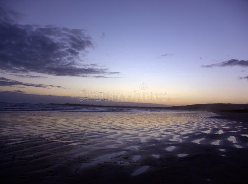 波纹沙子日落 库存照片