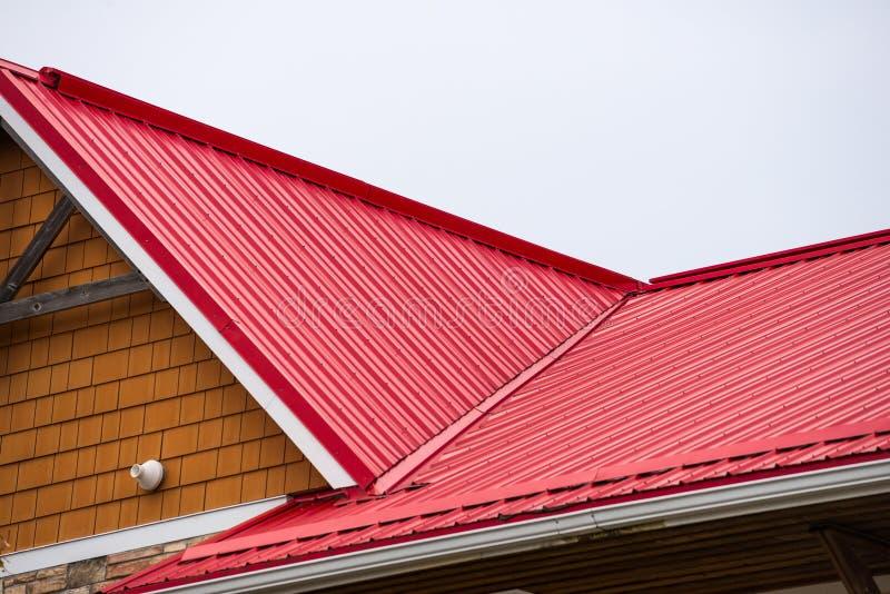 波纹状的金属屋顶 图库摄影