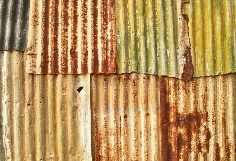 波纹状的grunge金属 免版税库存图片