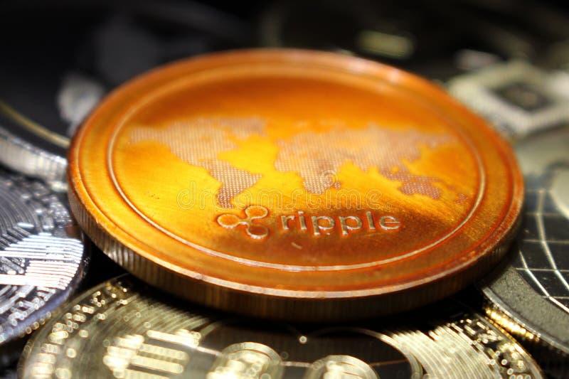 波纹-革命化数字付款的一新的cryptocurrency -与其他隐藏硬币的硬币 免版税库存照片