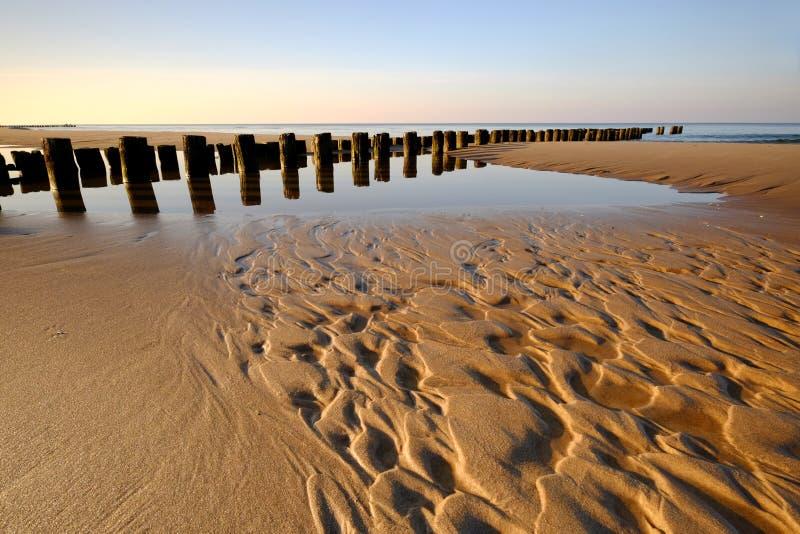 波罗的海,海岸,海滩,防堤,沙子纹理 图库摄影