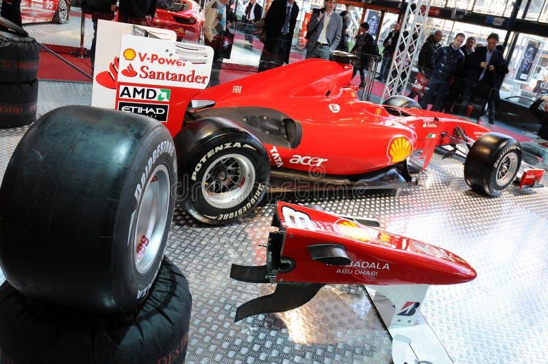 波隆纳,意大利- 2010年12月2日:法拉利惯例1 F10前费尔南多・阿隆索陈列了在波隆纳汽车展示会 免版税库存图片