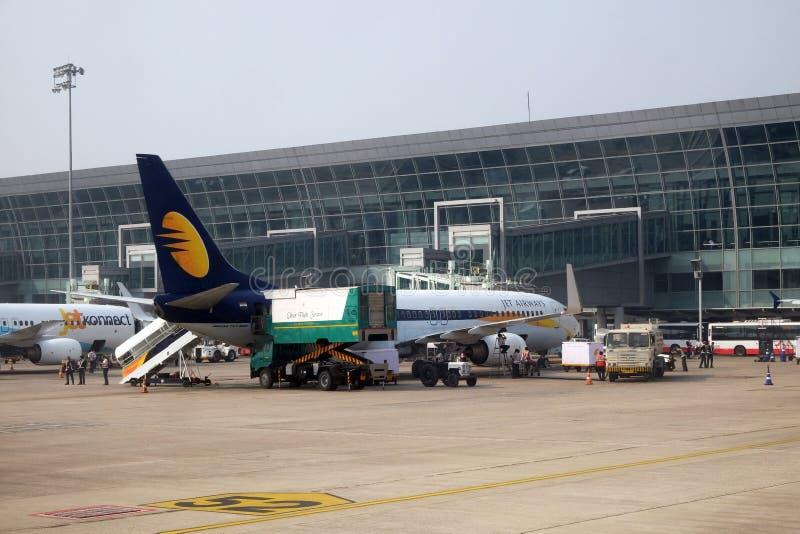 波音737-800由喷气航空公司经营在德里国际机场 免版税库存照片