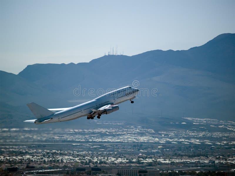 波音747飞机起飞 免版税图库摄影