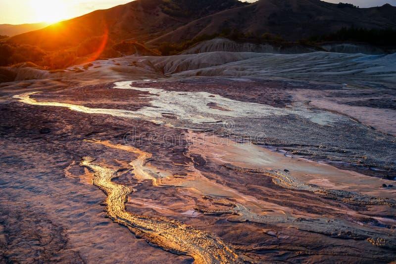 泥泞的火山爆发 库存图片