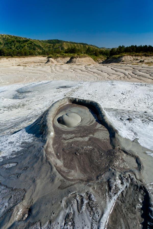泥泞的罗马尼亚火山 免版税库存照片