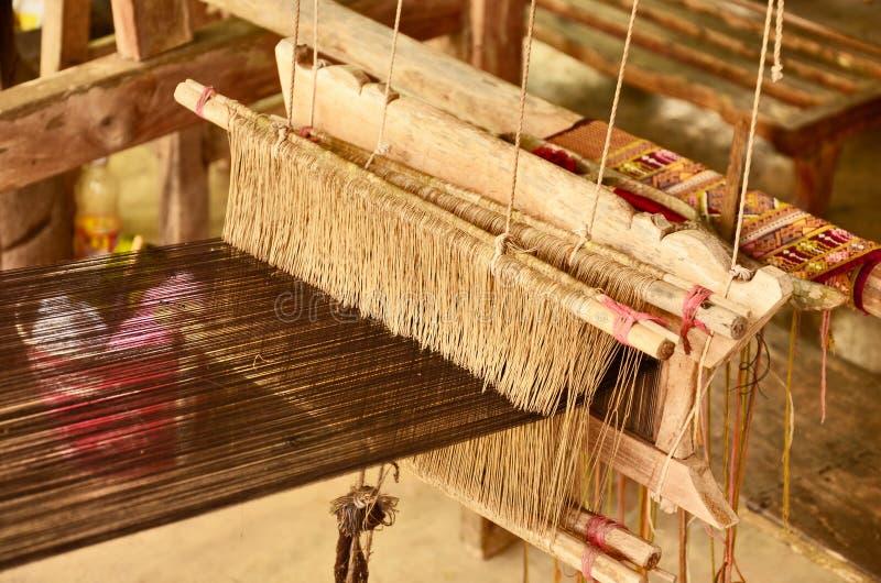 泰国人地方织布机  库存图片