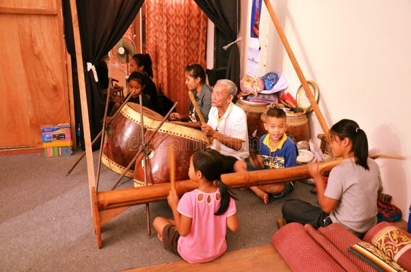 泰国人戏剧传统泰国乐器支持Nang亚伊 免版税图库摄影