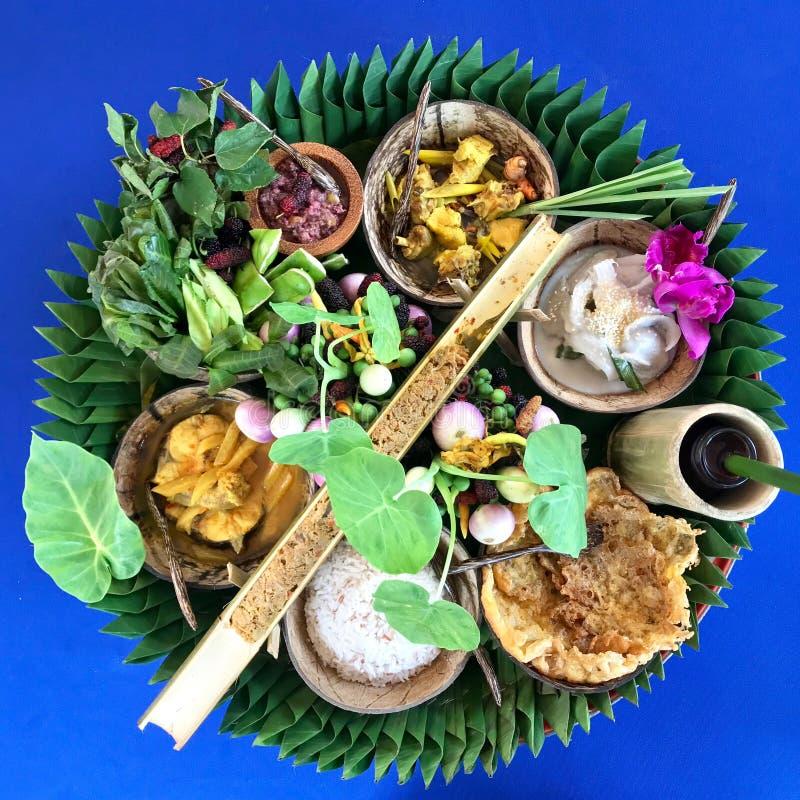 泰国南部食物装饰盘子  免版税库存照片