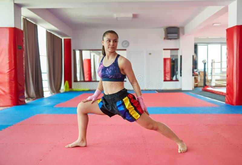 泰国女孩伸展 库存照片